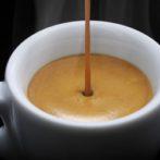 Consommer toutes les boissons chaudes grâce aux distributeurs à café